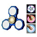 Spinner,CAMTOA LED Licht Hand Spinner Finger Fidget Spielzeug mit 3 Modus leuchtend,für ADD,ADHS,Angst und Autismus Erwachsene Kinder Tri-Spinner Blau